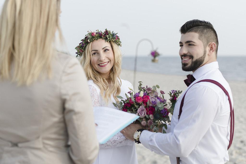 Inspiration Hochzeit Strand Boho Brautpaar