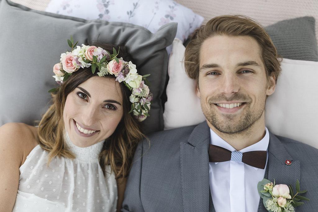 Hochzeitsplanung glückliches Brautpaar