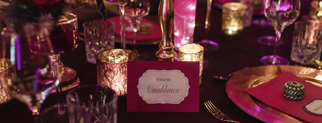 Individuelle Papeterie Tischkarte orientalisch pink gold Kerzen